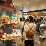 ムーミンスタンドでニョロニョロのたねを飲む(大阪・天王寺MIO)