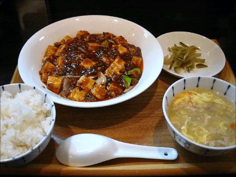 広東名菜 紅茶(ほんちゃ) 大阪天満宮、南森町 中華・麻婆豆腐ランチ