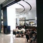 ダウンステアーズコーヒー 大阪(DOWNSTAIRS COFFEE)グランフロント大阪・ベンツカフェ