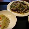天満で牛肉と玉ねぎの炒めを喜洋洋上海食苑と中国食府双龍居で