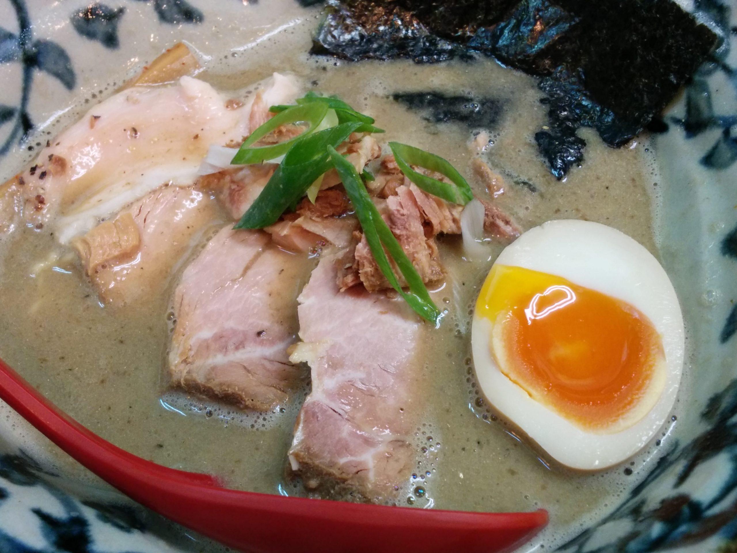 洛二神(大阪・天満、中崎町)超煮干しそば